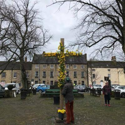 MArket Place Easter cross 2018